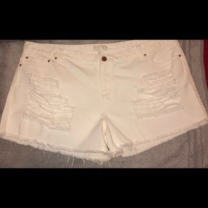 Distressed plus shorts